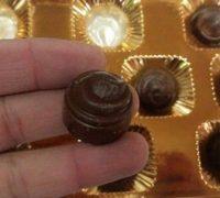 NKHR君のグアムお土産 「マカダミアン・ナッツチョコレート」