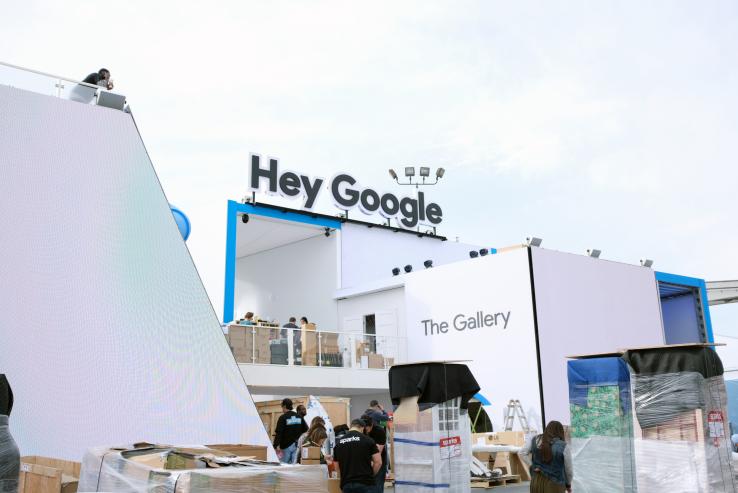Googleの二階建てブース