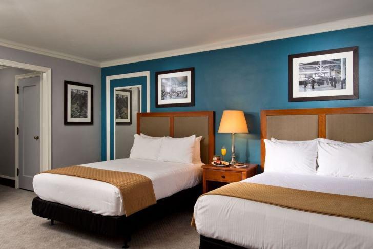 姉妹店のホテルGideon Putnamの客室
