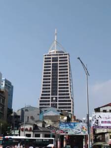 台湾・台北市街西門街付近の高層ビル