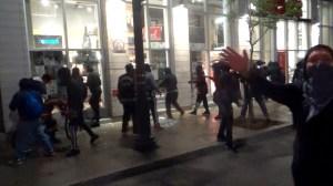 À L'Intérieur De La Manifestation Criminelle Pour La Mort De George Floyd – Montréal 31 Mai 2020