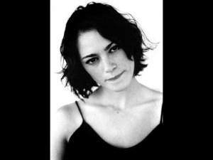 Lucie Laurier – Tueur à gages  Une chanson trop dangereuse ?
