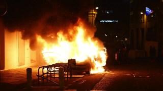 Au coeur de la razzia sur les Champs-Elysées, saccagés par la racaille, après la défaite du PSG
