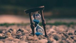 Car le présent, le passé et le futur sont intrinsèquement liés.