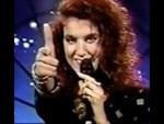 Celine Dion chante la chanson ? [18+]
