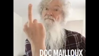 Doc Mailloux fait un doigt d'honneur à Dieu ?