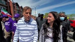 """Entrevue avec MAXIME BERNIER à la marche """"Québec Debout"""", le 1er mai 2021 à Montréal"""
