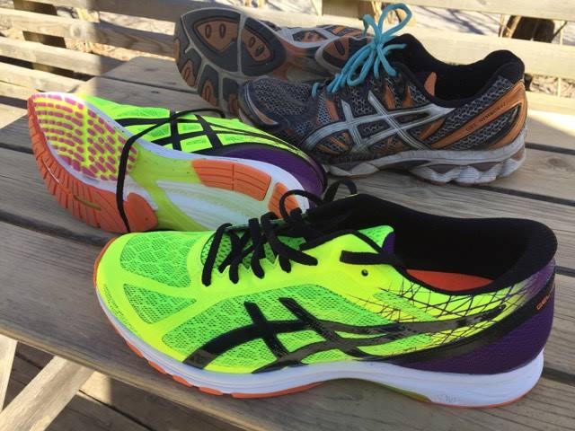 Asics tävlingsskor löpare löpning