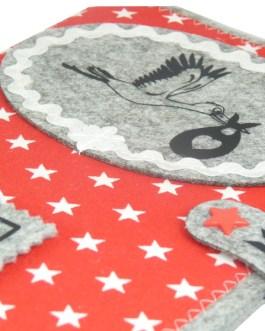 U-Heft Hülle mit Klapperstorch – Rot mit Sternchen