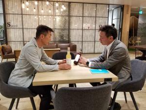 管理人と北島社長の対談風景