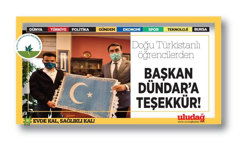 Doğu Türkistanlı öğrencilerden Dündar'a teşekkür…