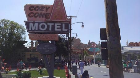 カリフォルニア ディズニーランドブログ カリフォルニアのディズニーランドと香港ディズニーランドの作りが似ていた…。