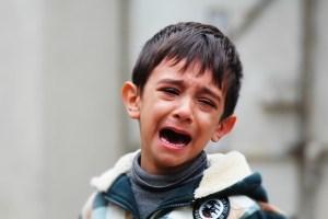 子供のトラブル、子供が悲しんだりしたら介入して