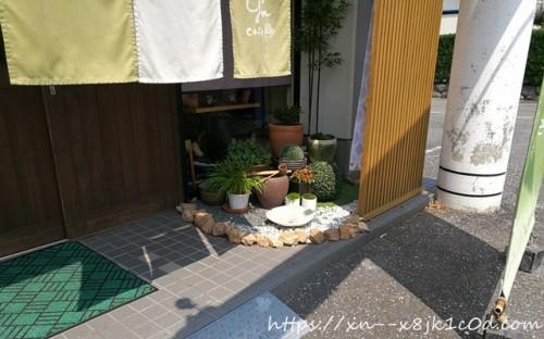 羽島にあるジーンカフェの入り口付近