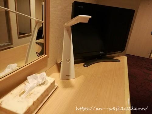 テレビボードの上①