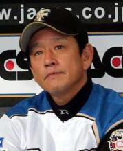 プロ野球 監督 2015 2014 年俸