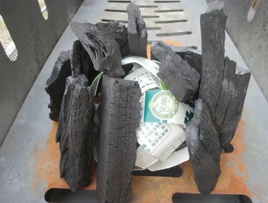 炭に着火するコツは新聞紙より牛乳パックを使う!7