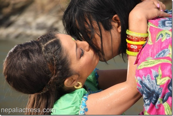 karishma-Manandhar-kisses-rajesh-Hamal-kina-kina
