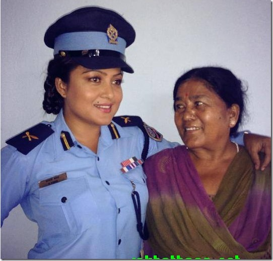 kali Rekha Thapa and her producer mother 2