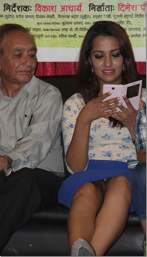 priyanaka-karki shows undies
