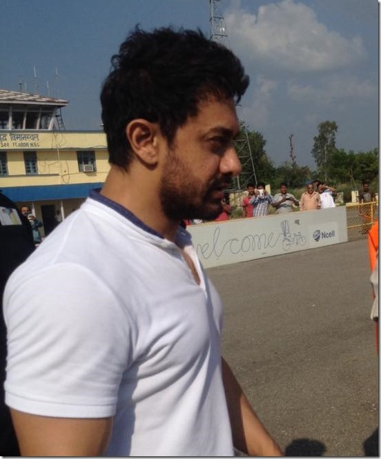 aamir khan arrives in Nepal (2)