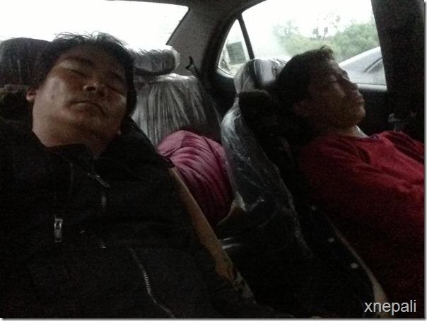rekha thapa and himgyap lama sleep on street (4)