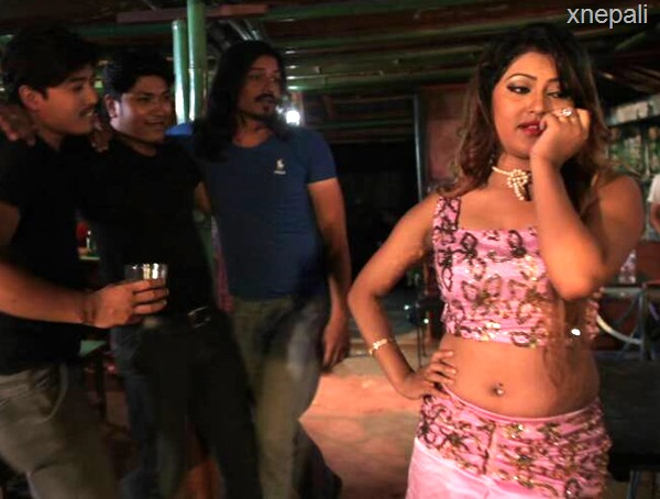 sagun shahi kamchor item dance3