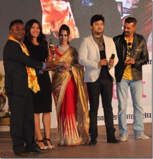 inas film award ceremony nikhil and aryan