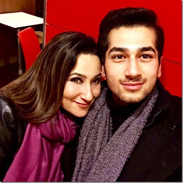 Aashishman Deshraj with is mom Rabina Deshraj