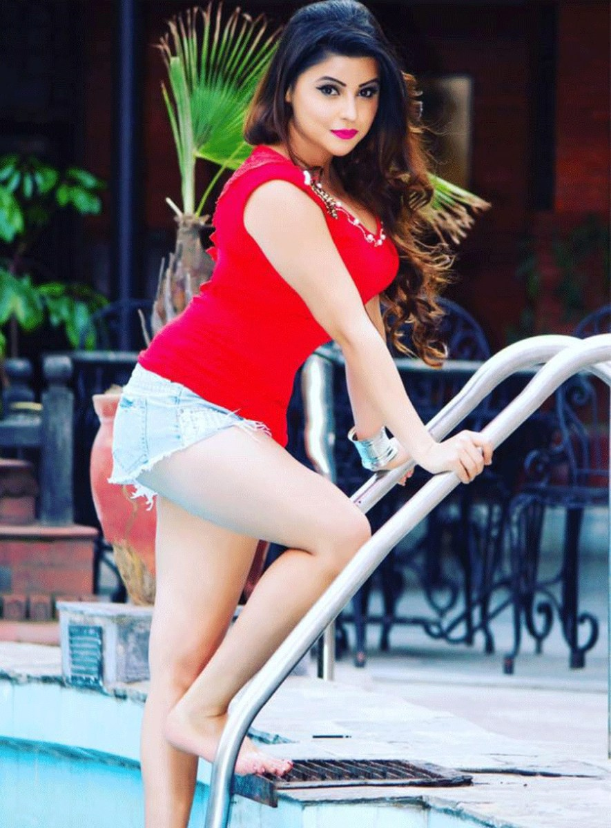 Hot Actress And Model In Nepali Film