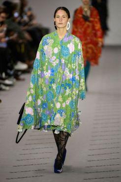 hbz-fw207-trends-winter-florals-04-balenciaga-rf17-0331