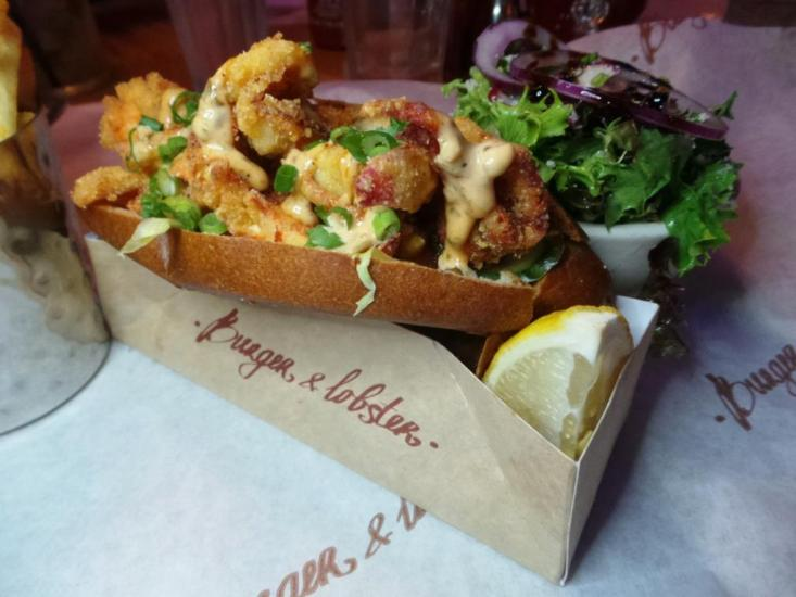 Burger and Lobster Bryant Park NYC xojohn (31)