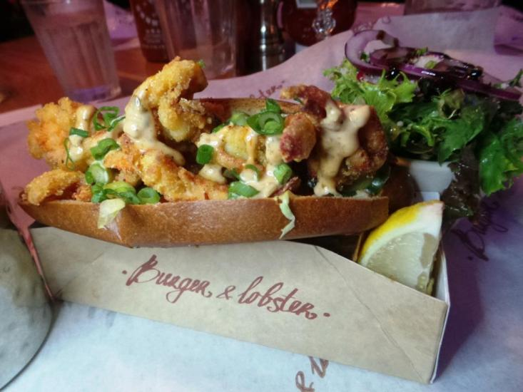 Burger and Lobster Bryant Park NYC xojohn (36)