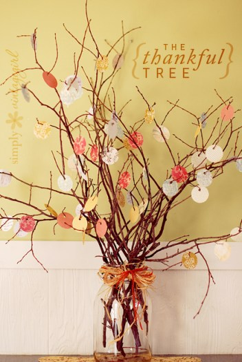 The Thankful Tree. DIY Fall home decorations that are easy to make.