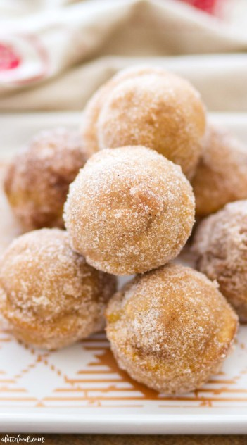 Cinnamon Spice Sugar Pumpkin Donuts. How to make a pumpkin dessert this fall.