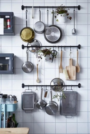 Wall art storage small kitchen holders. I love this post so much! It seriously helped me so much! I live in a tiny place so I need to use every space so wisely! This guide gave me so many ideas and a lot of ways to think differently that I never thought about before. These simple home hacks for storage is amazing!! Pinning for later!