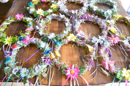 I love a good party and these DIY fairy party ideas are amazing! I can't wait to throw my own garden fairy party! It is such a creative party idea. These clever pixie decorations are something all the kids will love. There's something for an activity to do during the party to favors like flower wings for everyone to wear! I am so excited for my own woodland fairy garden party! Pinning Now!
