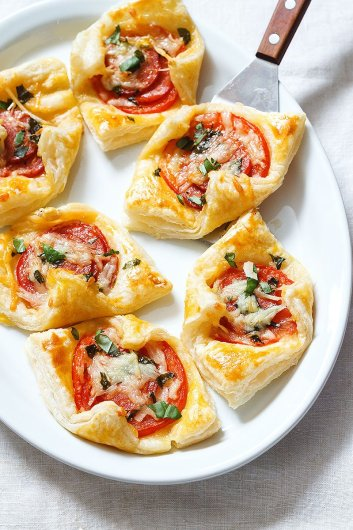 Pepperoni Tomato Basil Quick Appetizers for Easy Entertaining