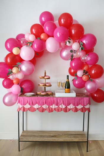 Fancy Balloon Arch | How to Make Balloon Arch