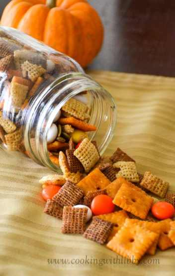 Fall Harvest Chex Mix | Easy Fall Party Appetizers and Snacks