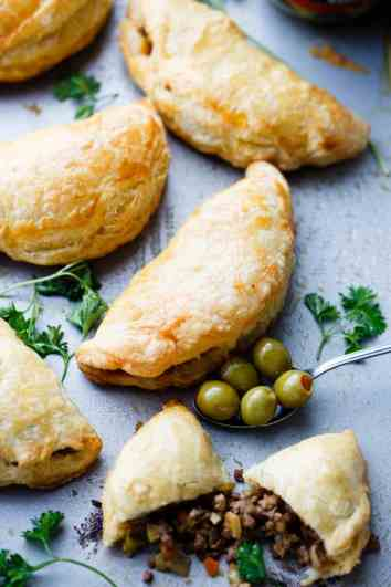 Beef and Olives Empanadas | Easy Puff Pastry Recipes