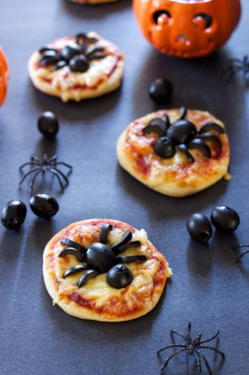 Mini Spider Pizzas | Halloween Party Appetizers