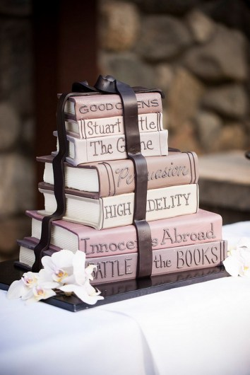 Stack of Books | 10 Book Lover Wedding Cake Ideas