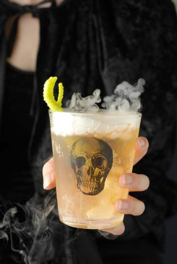 The Grave Digger Cocktails | Spooky Halloween Cocktails