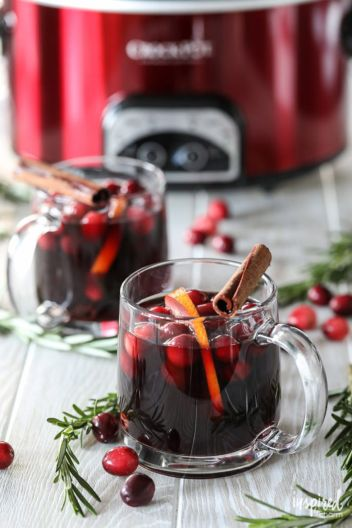 Slow Cooker Thanksgiving Sangria | Fall Sangria Cocktails