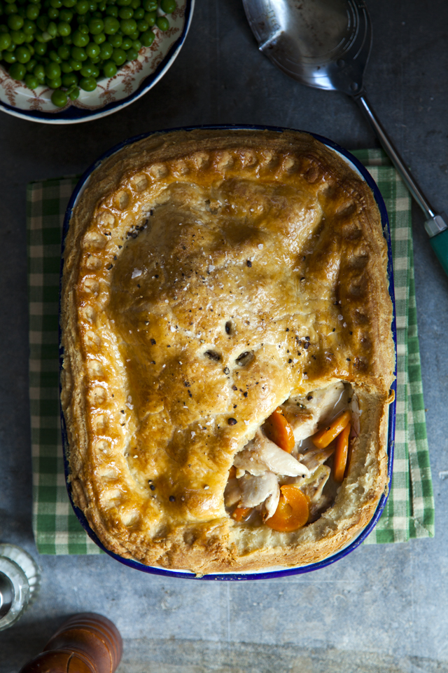 Braised Rabbit Pie | These Irish comfort foods have the spirit of tradition with a fun twist. Irish food is rooted in tradition and is typically stews or long braises which to me is instant comfort foods. These dishes are hearty and just melt in your mouth. Choose from slow cooking stews, pan-fried potatoes, and lots of Guinness beer. #xokatierosario #irishcomfortfood #irishrecipes #stpatricksdayrecipes