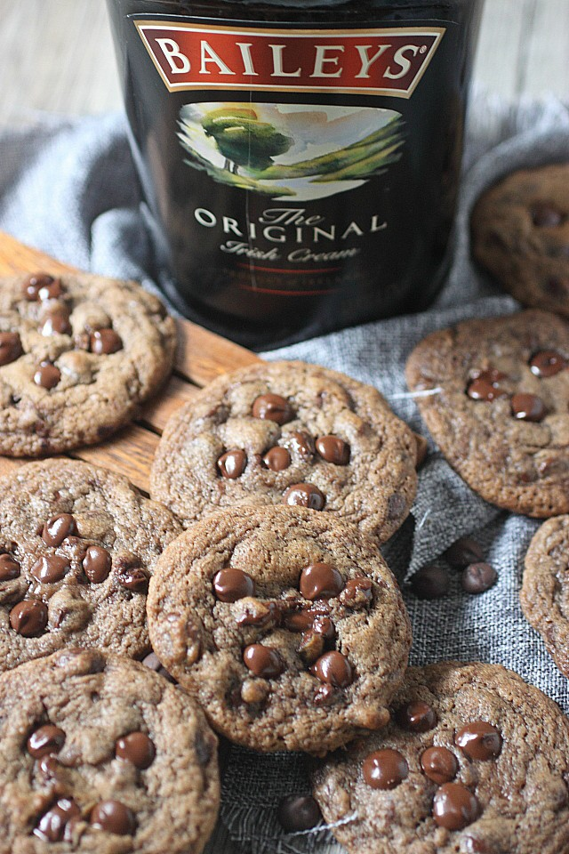 Irish Cream Chocolate Chip Cookies | Bailey's Irish Cream is an Irish dairy cream drink with chocolate and Irish whiskey, it's become a staple on St. Patrick's Day. It's easy to use Irish cream in dessert recipes because of its chocolate cream flavors. Bailey's Irish cream desserts are simple and delicious! #xokatierosario #baileysirishcream #irishcream #stpatricksdaydesserts