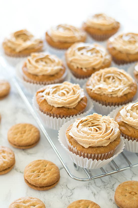 Do-si-dos Cupcakes   Whether or not its Girl Scout Cookie season, these desserts are available all year round. Learn how to make dessert recipes inspired by your favorite Girl Scout Cookies. Turn the Girl Scout Cookies into pies, cheesecake or cupcakes. These GSC are super easy and totally craveable! Must check out! #xokatierosario #girlscoutcookies #girlscoutrecipes #girlscoutcopycat