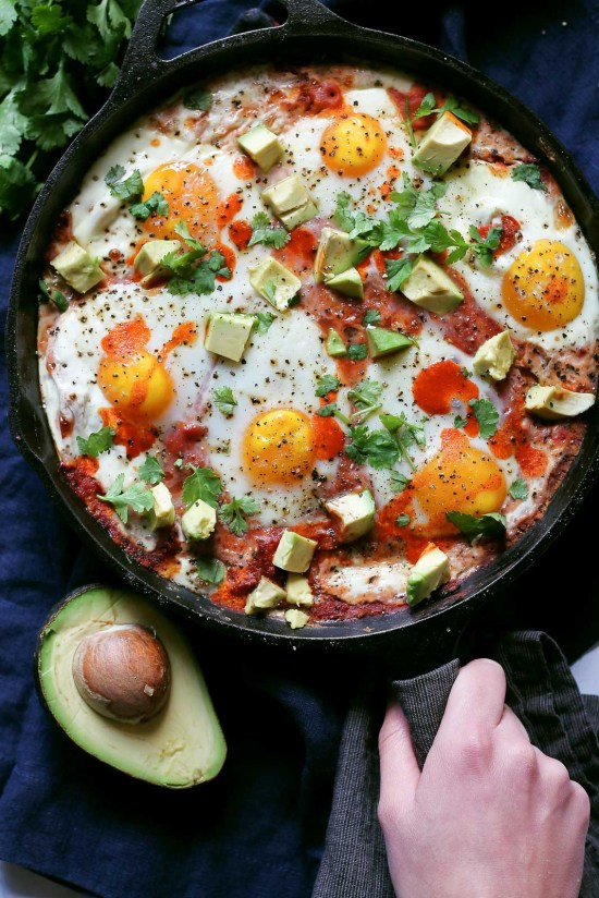 Polenta Baked Egg Skillet | This is for those who are looking for healthy easy recipes with minimal cleanup. The solution is easy, making one pot healthy meals. Choose from one pot recipes like Cashew Chicken Stir Fry, Spicy Thai Noodles, or Mexican Rice Casserole! These one pot healthy dinners are sure to make cooking on a busy weeknight so much easier. #xokatierosario #onepothealthymeals #easyonepanrecipes #easyhealthymeals