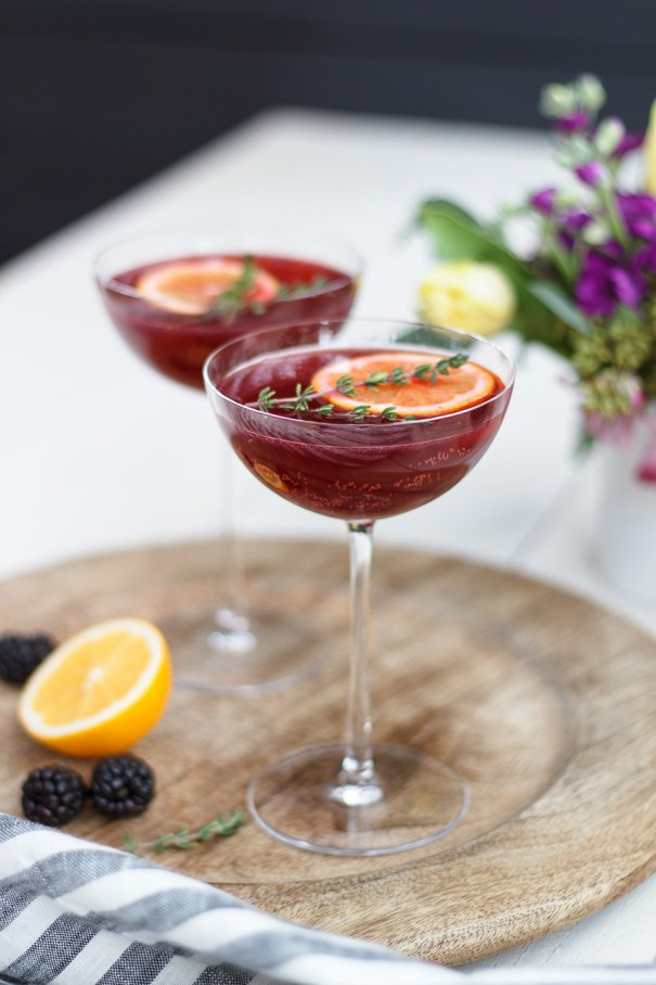 Blackberry Rose Tequila Fizz | These sparkling drinks are fantastic for summer entertaining. Whatever sparkling drinks you choose to make this summer, your thirst will be quenched, and you'll stay relaxed and happy in the summer heat. Here are 14 Sparkling Drinks That'll Keep You So Refreshed! #xokatierosario #sparklingdrinks #sparklingcocktails #sparklingnonalcoholicdrinks #summerentertaining